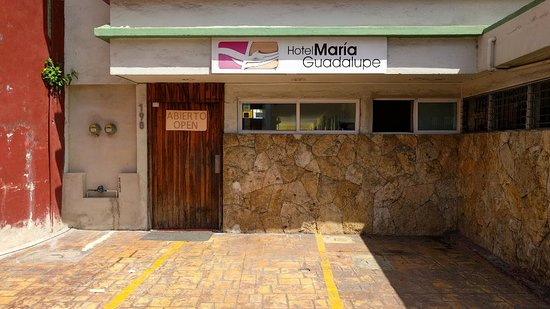 Hotel Maria Guadalupe: Entrance in March 2017 (different than previous photo from 2010)