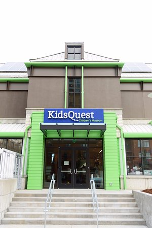 KidsQuest Children's Museum: KidsQuest's exterior in downtown Bellevue.
