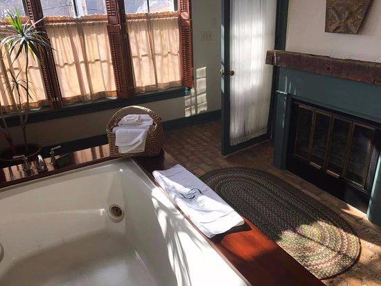 "Cedarburg, WI: The ""tub room"""