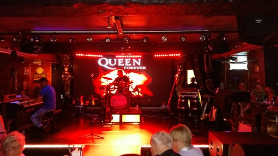 Morgan's Tavern: Excellent Tribute acts