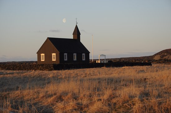 Budir, Islanda: The Black Church at sunrise
