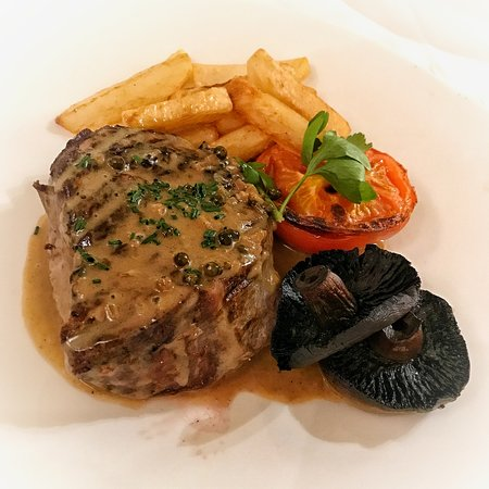 Harlech, UK: Steak cooked to perfection