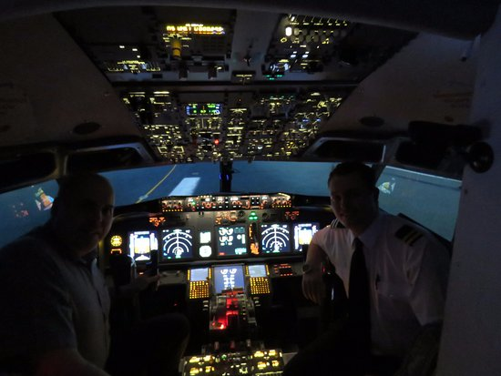 747 Cockpit - Picture of Virtual Aerospace, Shoreham-by-Sea