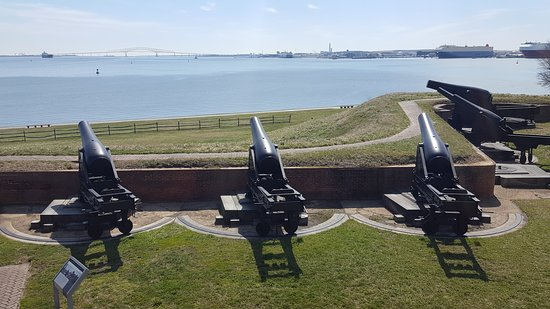 Fort McHenry National Monument : A piece of America...the war of 1812 was never explained to me like this in school.