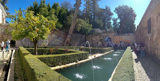 Generalife: Fountains at end of the tour