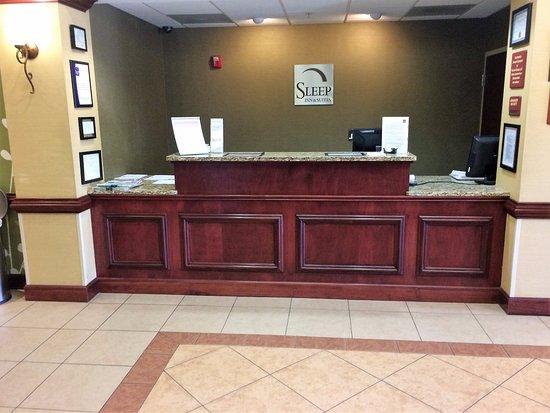 Hiram, GA: Front Desk