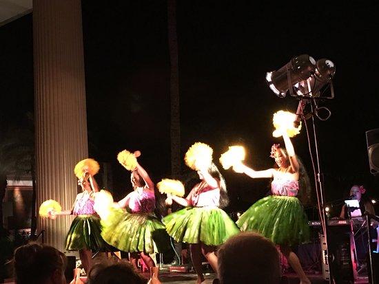 Hawaii Alive Luau Show & Dinner: photo5.jpg