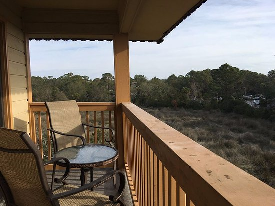 Hilton Head Island Beach & Tennis Resort: Open marsh and natural area