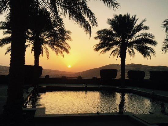 Qasr Al Sarab Desert Resort by Anantara: qasr