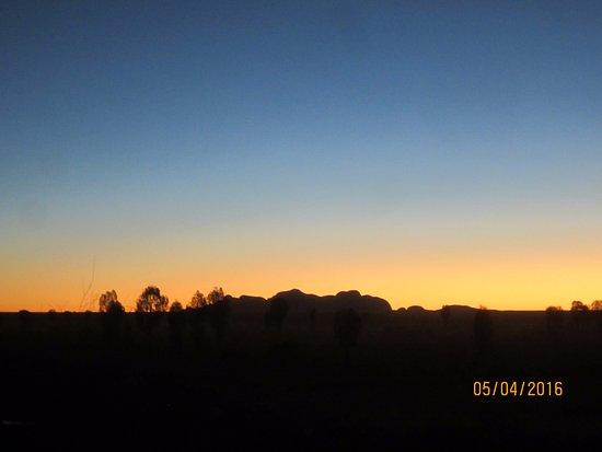 Sounds of Silence Experience : Kata Tjuta at sunset