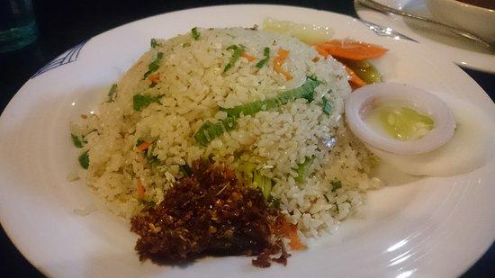 Ambepussa Avanhala : Fried Rice