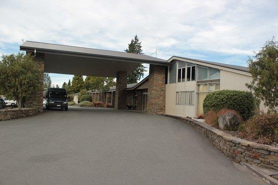 Distinction Te Anau Hotel and Villas: Entrance area