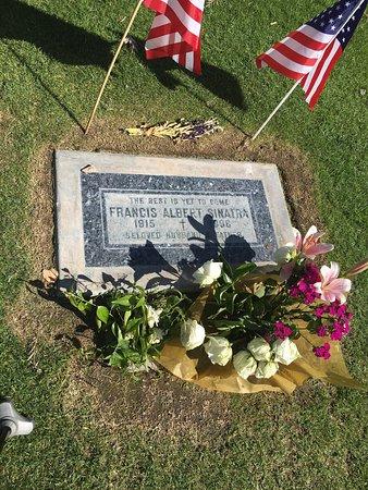 Frank Sinatra Gravesite : photo0.jpg