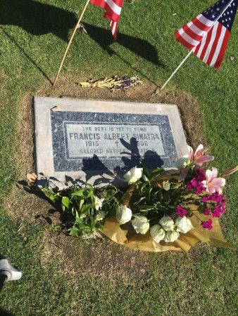 Frank Sinatra Gravesite : photo1.jpg