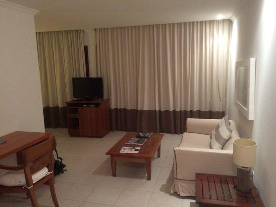 Porto Bay Buzios: Wohnzimmerbereich