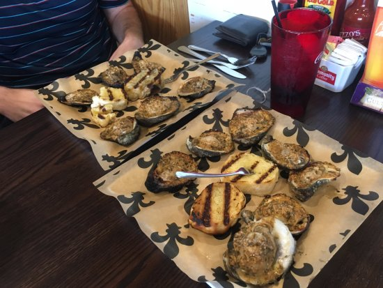 Broussard, LA: Charbroiled Oysters
