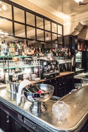 Aux Crus de Bourgogne: bar