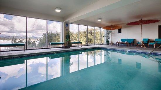 Best Western Pier Point Inn: Indoor Heated Pool