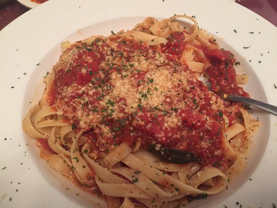 Coraopolis, PA: Fettuccine with tomato and basil sauce