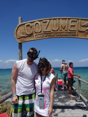 SkyReef Beach Club: Snorkeling Package with Tequila Tasting: The pier to the water.