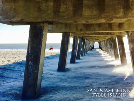 Sandcastle Inn Tybee Island short walk to the pier