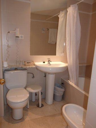 Regente Hotel: Room 302