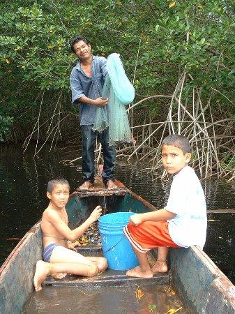Chiquimulilla, Guatemala: Fishing with Abel and cousins.