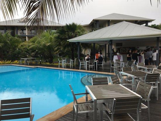 Heritage Park Hotel Honiara: Pool bar