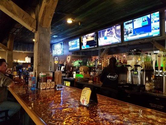 Oregon, OH: Smokey's BBQ Roadhouse