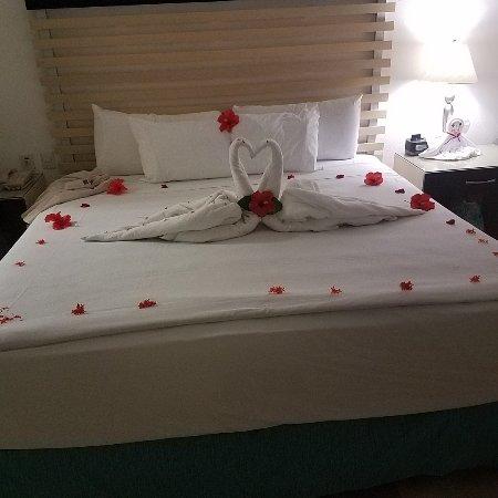 Villa del Palmar Beach Resort & Spa: Photo of bed at turn down that night, so nice!!