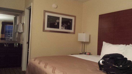 Quality Inn: Clean room, basic