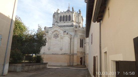 l extérieur de la basilique vu de l arrière picture of basilique d