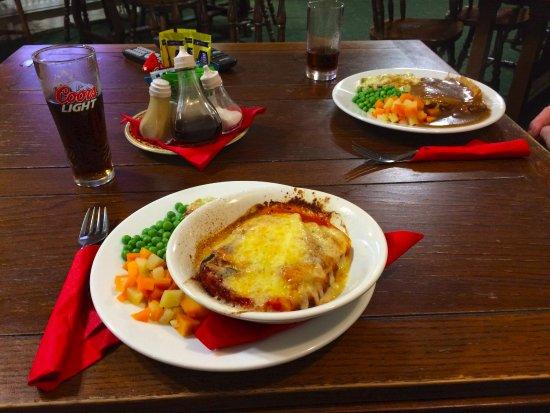 Machynlleth, UK: Vegetable lasagne with veg