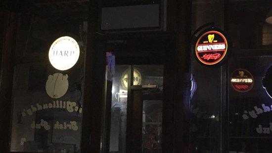 มอนต์เพเลียร์, เวอร์มอนต์: Great old Irish Pub