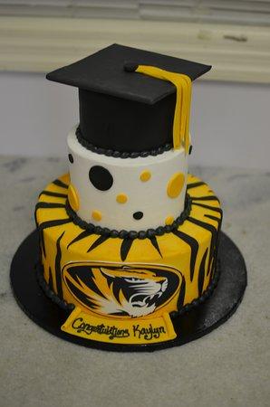 Saint Charles, MO: Graduation Cake
