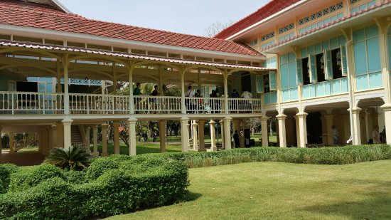 Mrigadayavan Palace: the tour on the halls