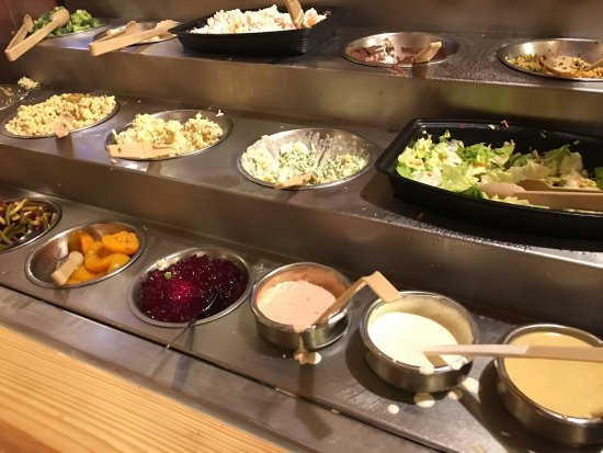 sneeze guard defeated reaching for back buffet items picture of rh tripadvisor ie