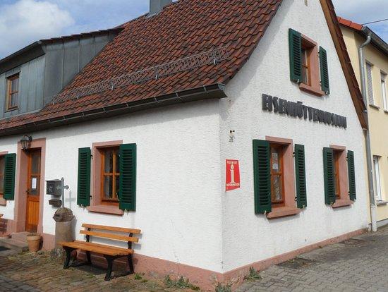 Tourist Information Luftkurort Trippstadt
