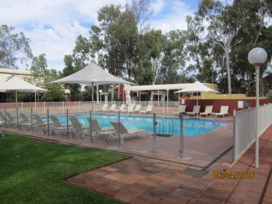 Desert Gardens Hotel Ayers Rock Resort Photo