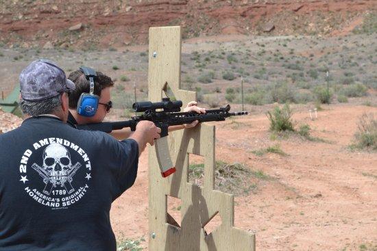 Washington, UT: Schieten met een AR15