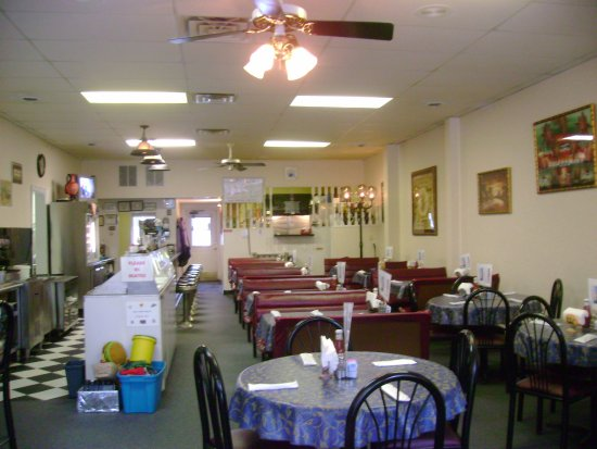 Muncy, Pensilvania: Main Street Grille's recently renovated dining room.