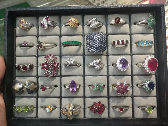 Vientiane, Laos: WE ALSO DO HAVE SILVER RING ... AROUND 5000 RINGS ON COLLECTION PRICE STARTS FROM 25$