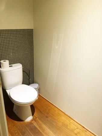 Heverlee, Βέλγιο: Toilet in separate room