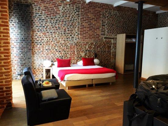 Heverlee, Belgien: Big comfy bed