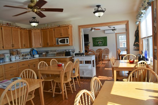 Prescott, Canada: River view breakfast room