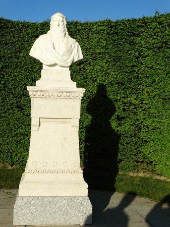 Amboise, France: Leonardo Memorial