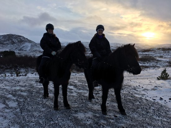 Hafnarfjordur, Islandia: Sunset