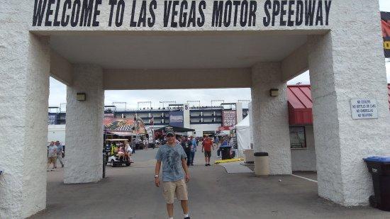 Las vegas motor speedway nv top tips before you go for Las vegas motor speedway rental