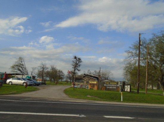 Marlin, تكساس: The Wagon Rib and Wind Drive-Thru