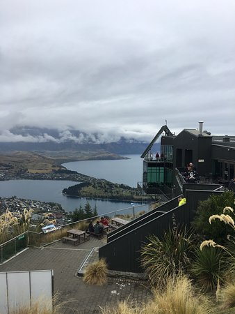 Stratosfare Restaurant & Bar: Great views and great food